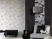 черно белые обои в интерьере гостиной