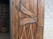 декор входной деревянной двери