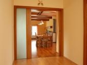 двери пенал в интерьере дома