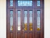 распашные входные деревянные двери
