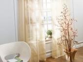 светлые прозрачные шторы в современном интерьере