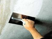 как наносить штукатурку на потолок