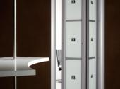 красивые складные двери в гардероб