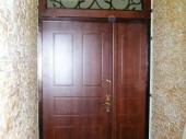 тамбурная дверь в подъезд
